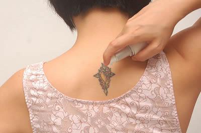 creme hidratante para tatuagem