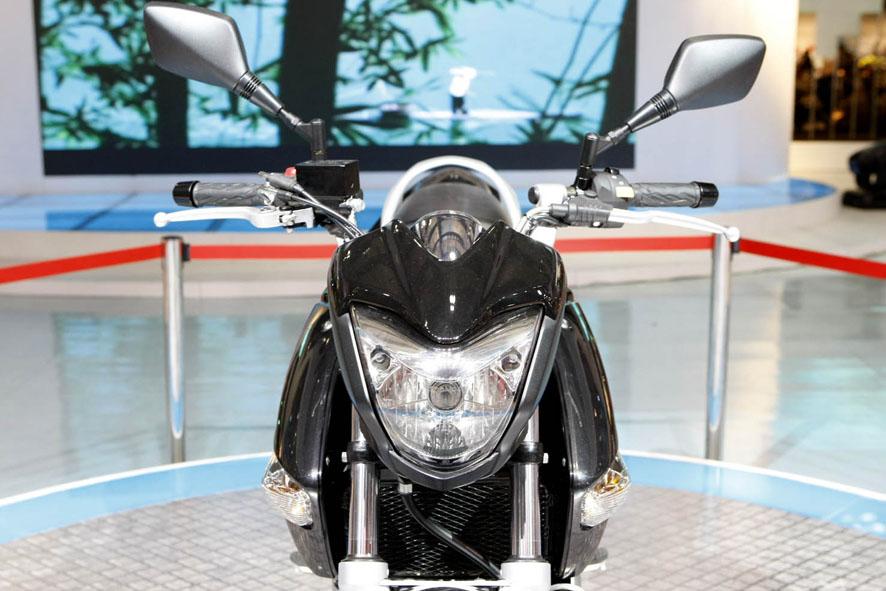 Suzuki B-King 2012