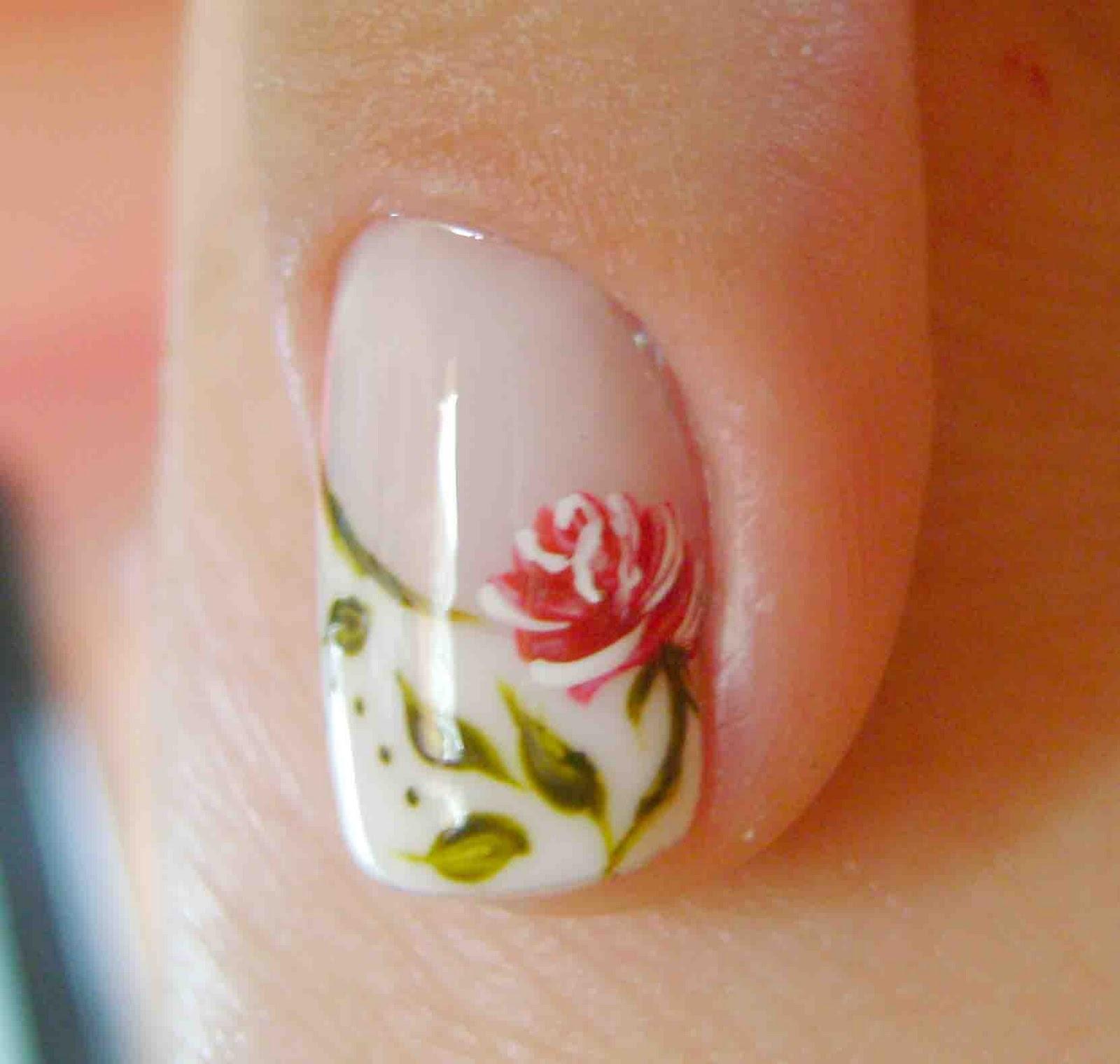 Unhas Desenhada com Rosas