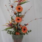 Arranjo de flores artificiais para sala
