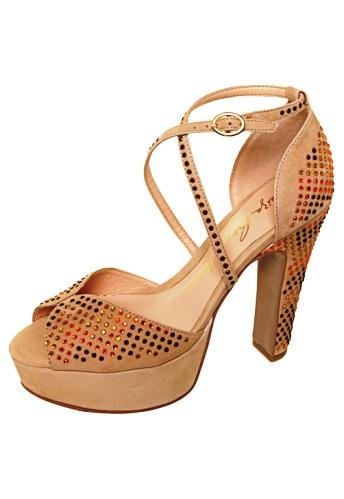 Sandálias com Salto Quadrado
