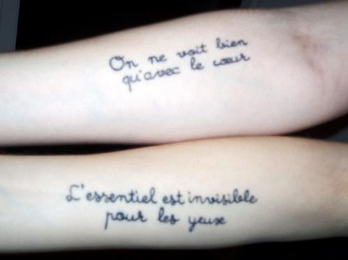 Foto de tatuagens em francês