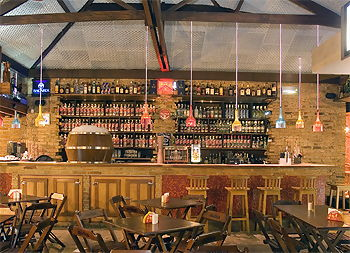 Modelos de decora o r stica para bares e restaurantes for Bar en casa rustico
