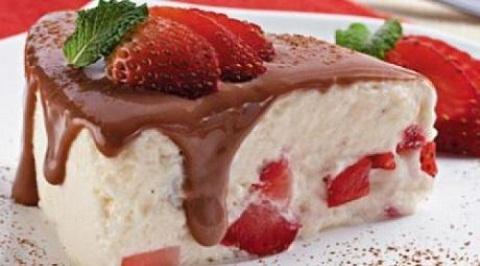 receita-de-torta-gelada-de-morango-facil