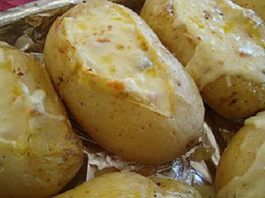 batatas-recheadas-no-microondas