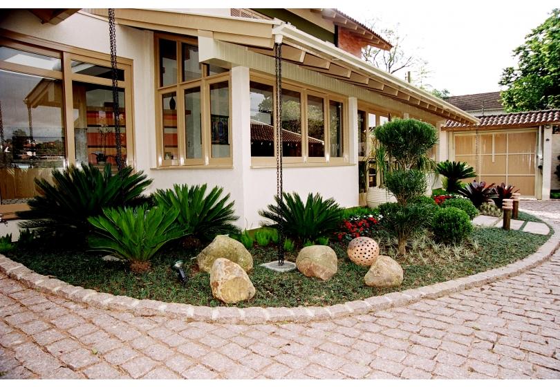 jardins pedras fotos:Modelos de Jardins Residenciais com Pedras na Decoração