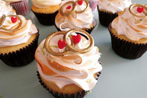 modelos-de-cupcakes-decorados-para-casamentos-2