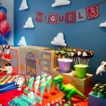 como fazer decoração toy story aniversário infantil