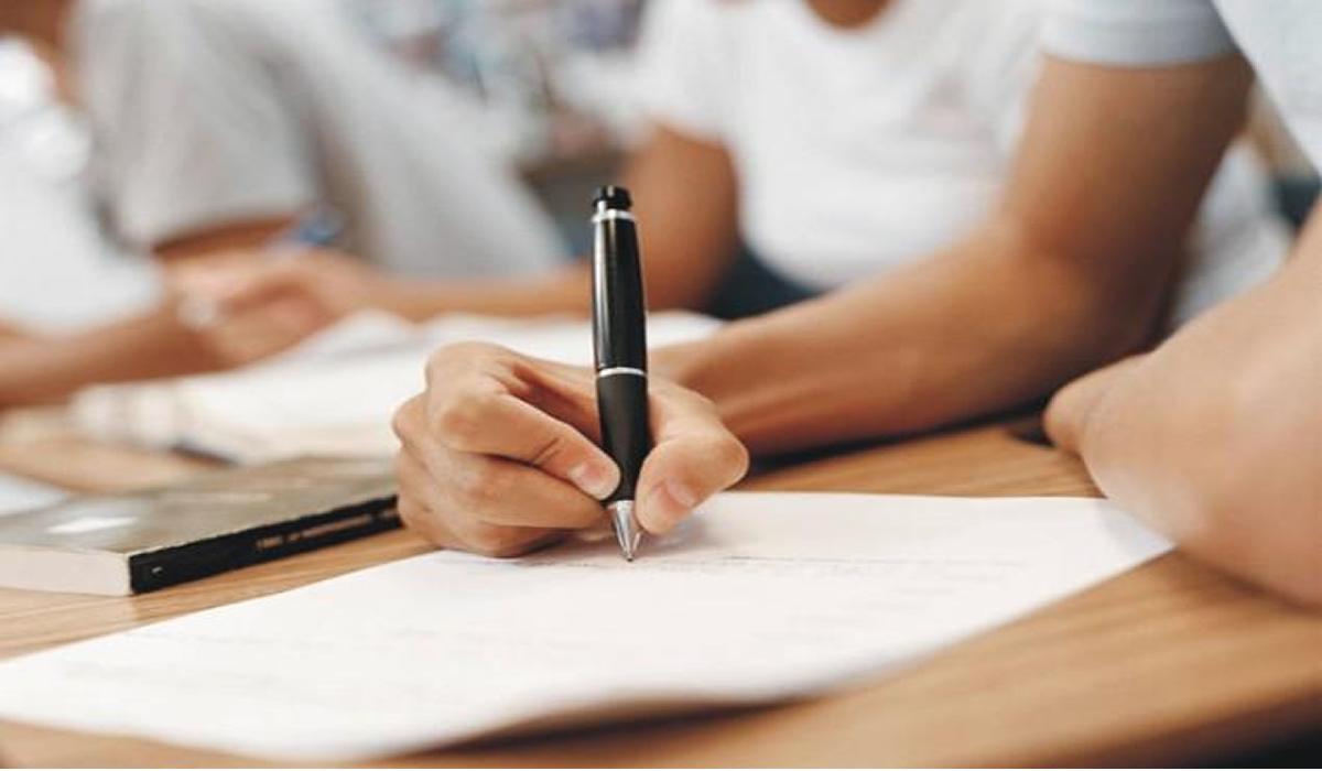 Capa de Trabalho Escolar Pelas Regras ABNT