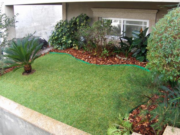 algumas fotos de jardins simples e baratos no quintal de casa para