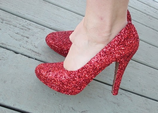 como-customizar-sapatos-com-glitter