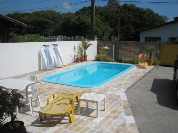 Piscinas para casas pequenas modelos para inspirar for Modelos de piscinas en casa