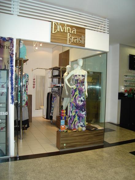 decoracao de interiores de lojas de roupas:Essas são algumas sugestões para decorar uma loja de roupa feminina