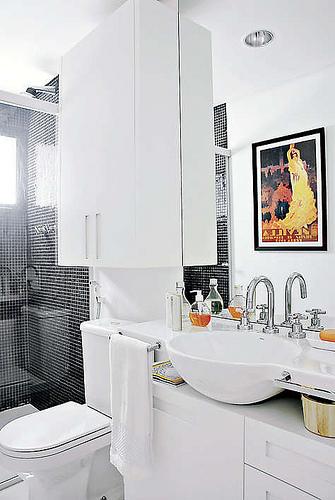 Decoração de Banheiros pequenos e modernos Fotos para inspirar -> Decoracao De Banheiros Modernos Pequenos