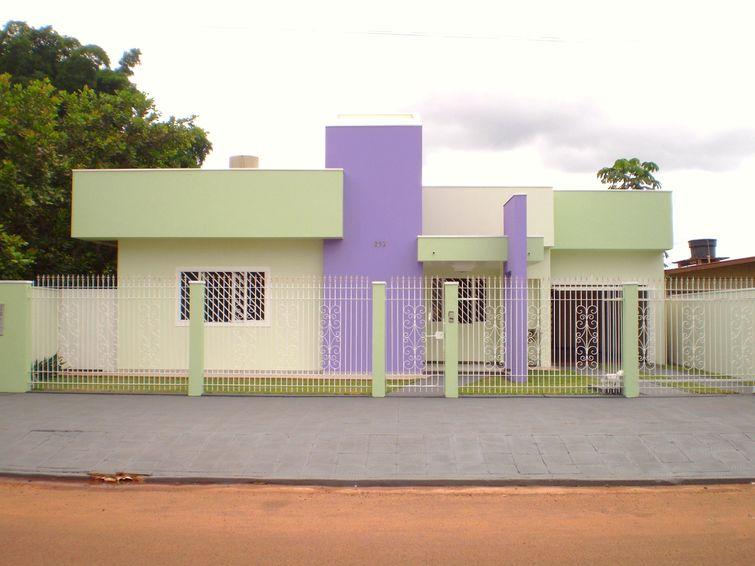 fachada-de-casa-pequena-com-2-cores