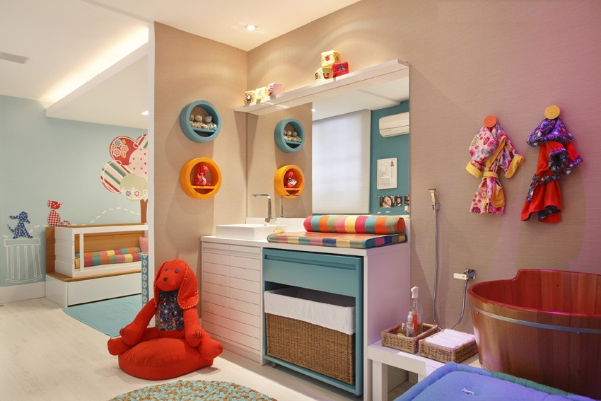 banheiros coloridos de criancas