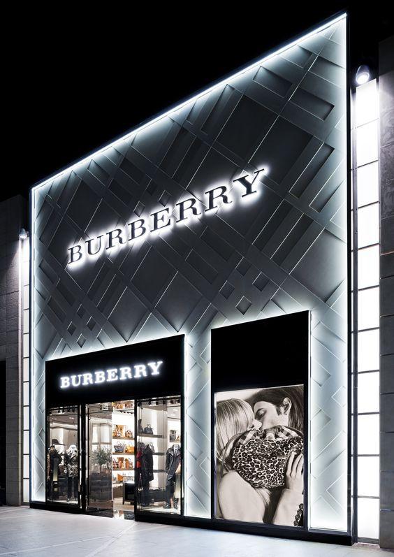 fotos-fachadas-de-lojas-de-roupas-modernas
