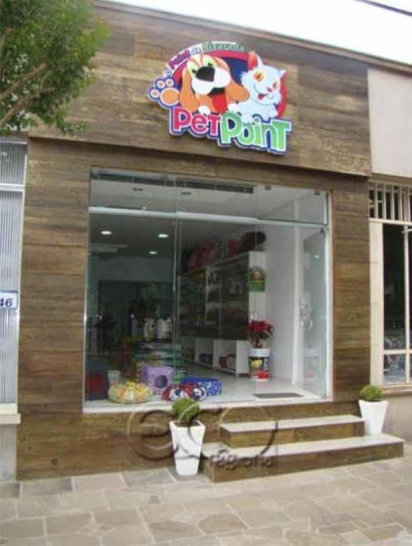 Fachadas de lojas pequenas