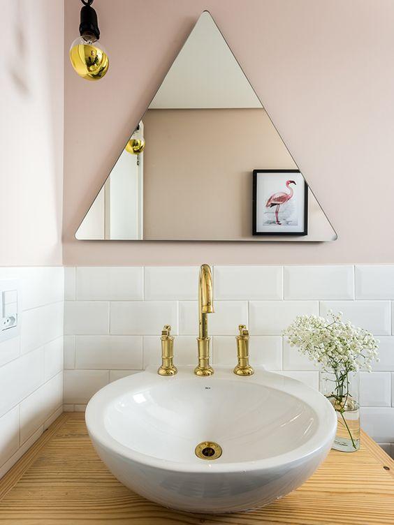 espelho triangular para banheiros